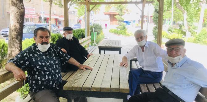 Haymana'da  65 yaş üstü vatandaşlar parklara akın etti.